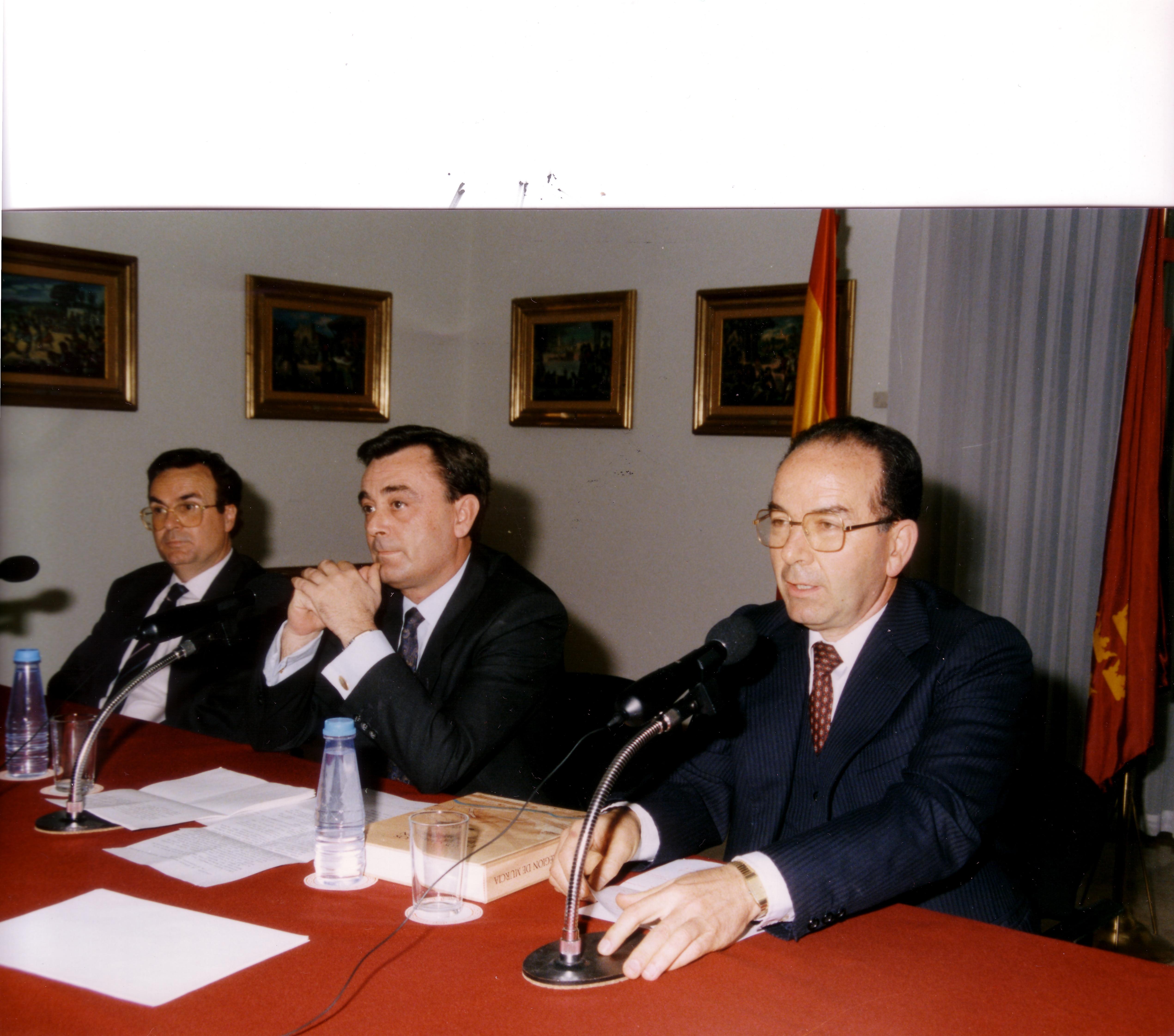 1990 PRESETACIÓN LIBRO CAMINOS