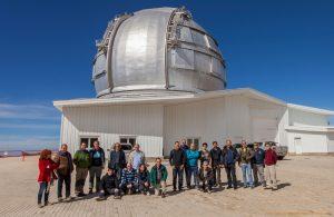 Asistentes a la reunión ante el GRANTECAN (Gran Telescopio de Canarias)