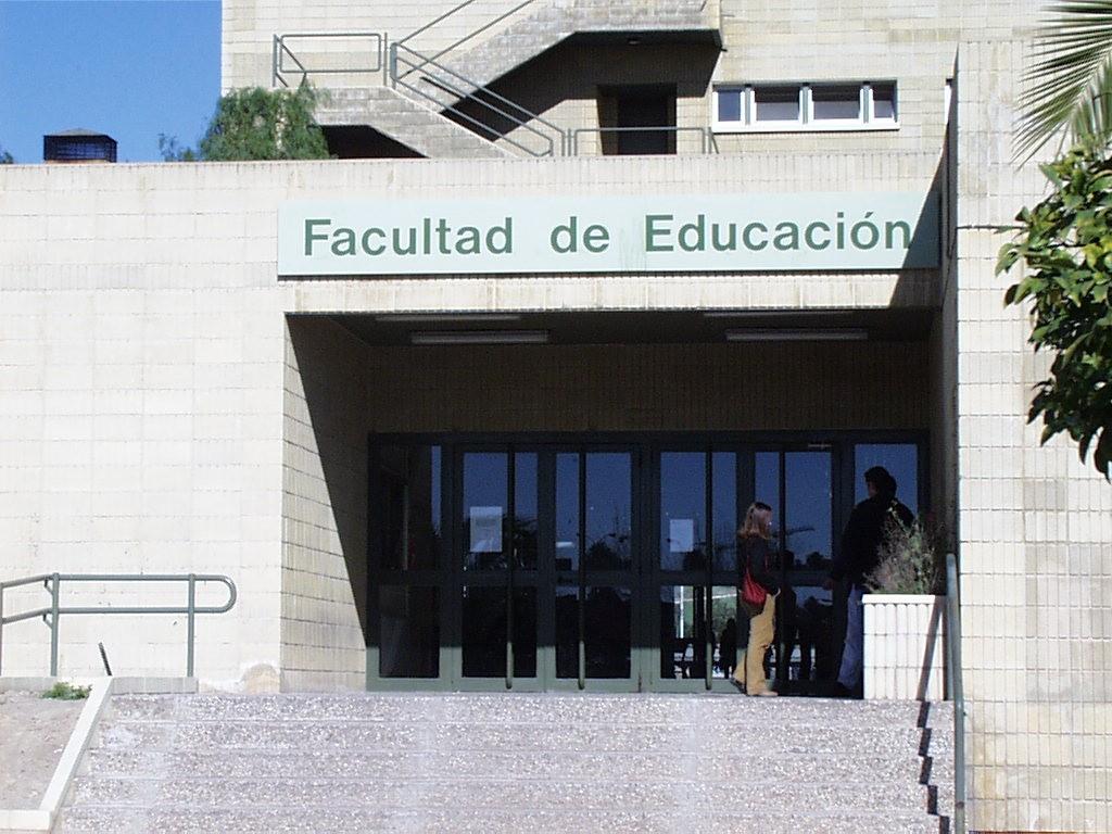 Fachada_Facultad_Educacion_Universidad_Murcia copia