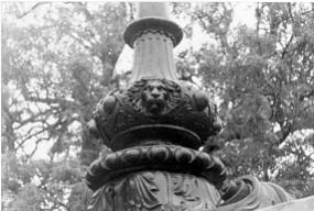 Parque Regent's Park. Detalle leones del puente