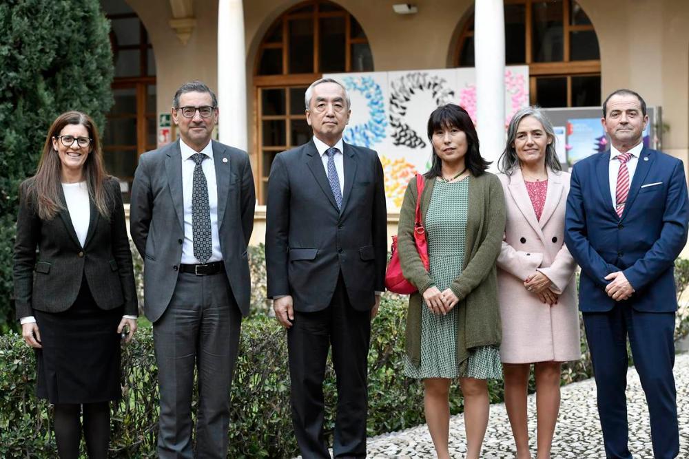 La UMU clausura la semana cultural japonesa con la visita del embajador de Japón en España