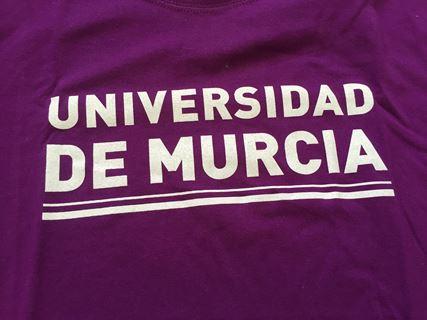 Camiseta UM