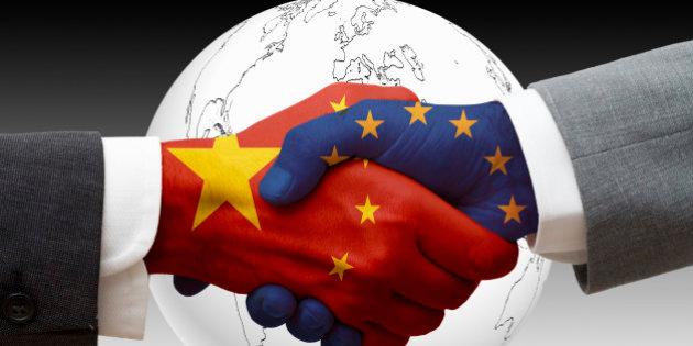 Universidades chinas envían material sanitario al Hospital Universitario Arrixaca de Murcia