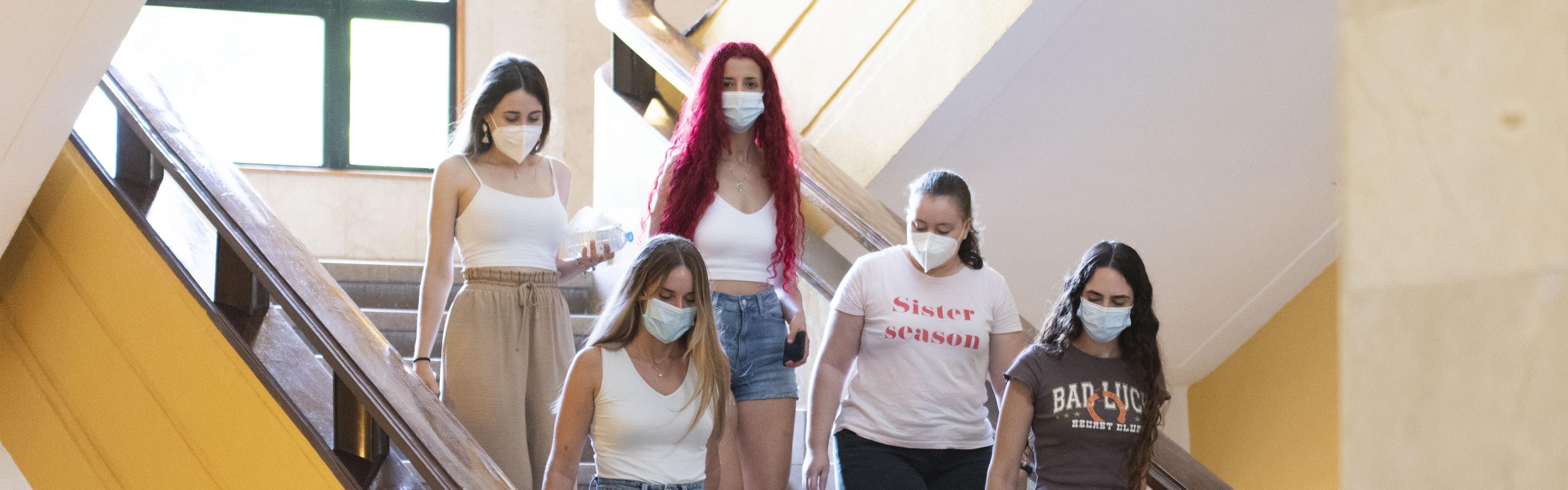 Las mujeres ya son el 62,9 por ciento del alumnado de la Universidad de Murcia en los estudios de grado