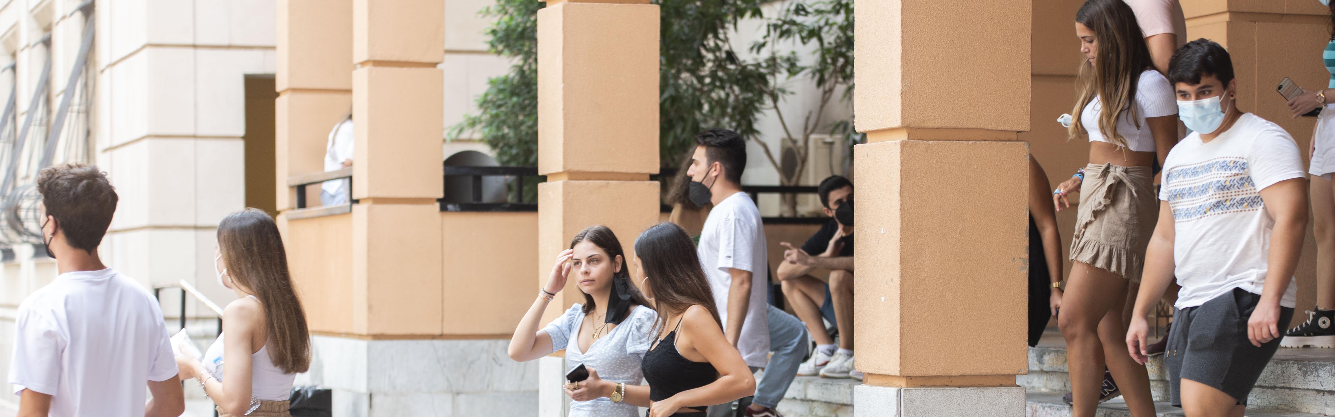 La Universidad de Murcia comienza el curso con 5896 nuevos estudiantes de grado en sus aulas