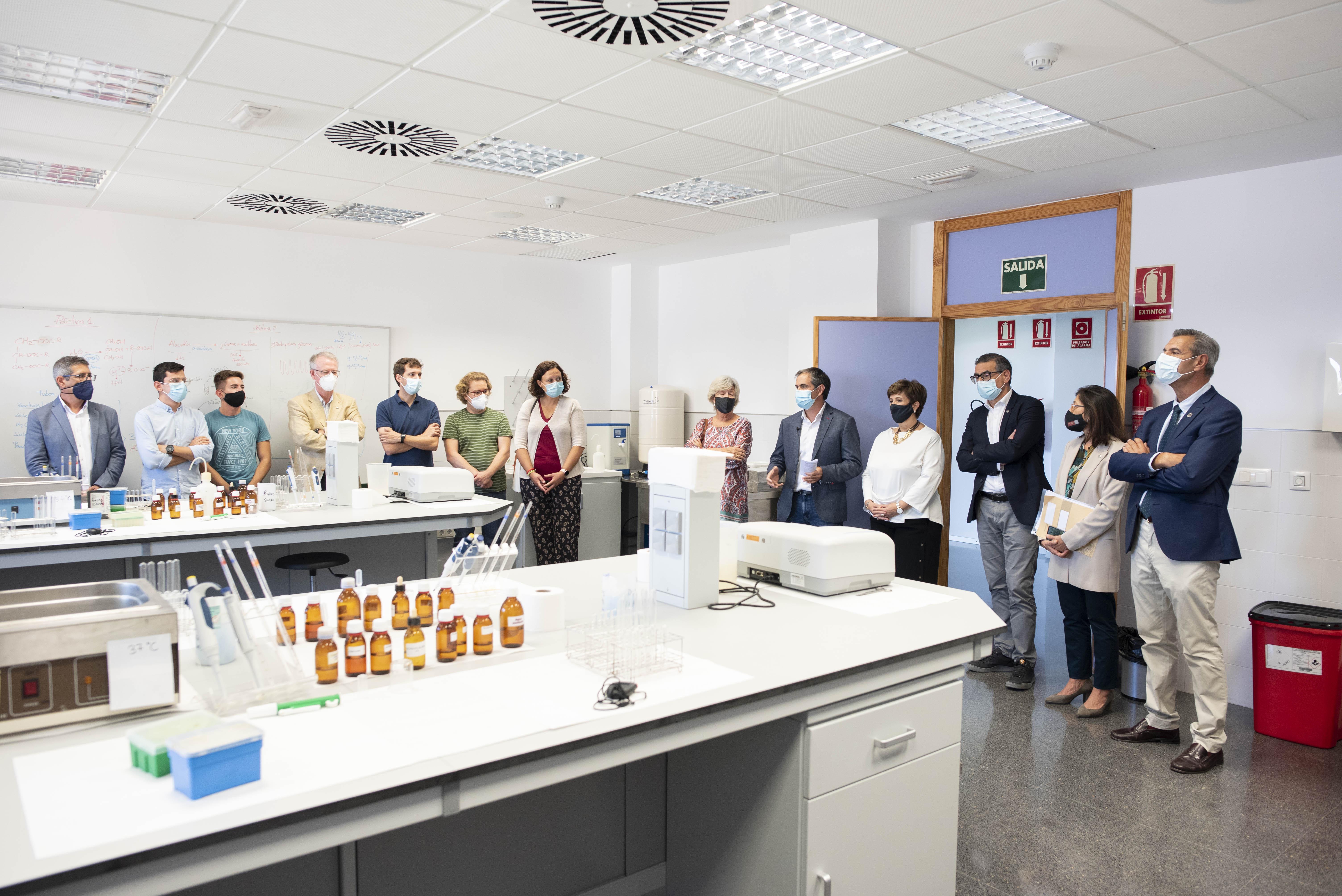 Nuevo laboratorio de Bioquímica, Química y Materiales Ópticos